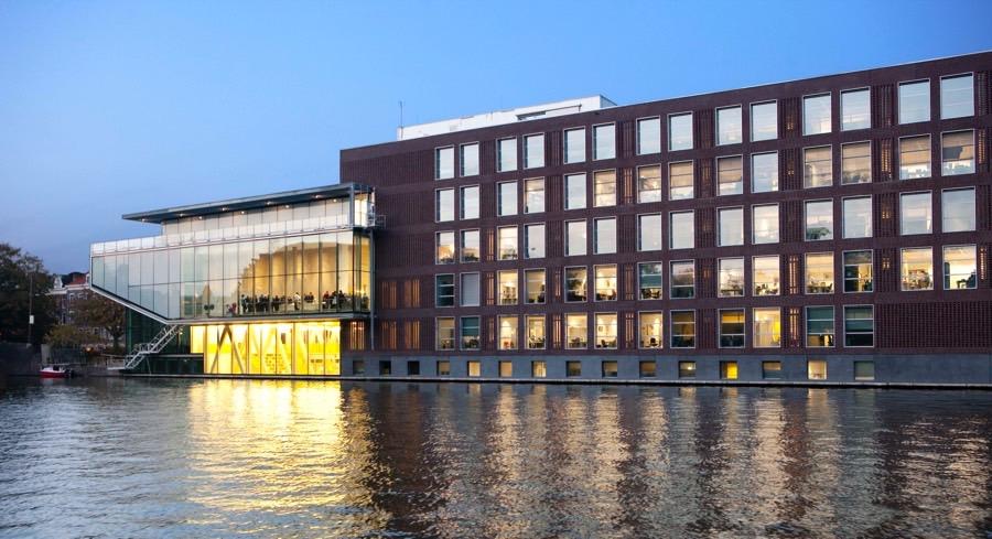 Nederland , Amsterdam, 30-10-09 buluitreiking MBSip ,uva , foto;ineke oostveen